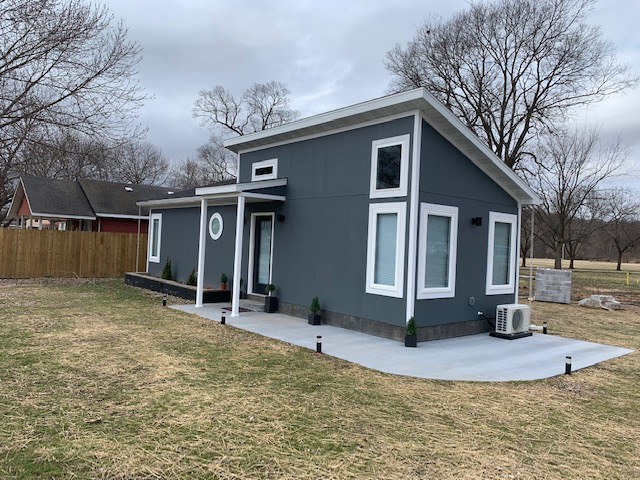 FULLY FURNISHED TINY HOME IN SENECA