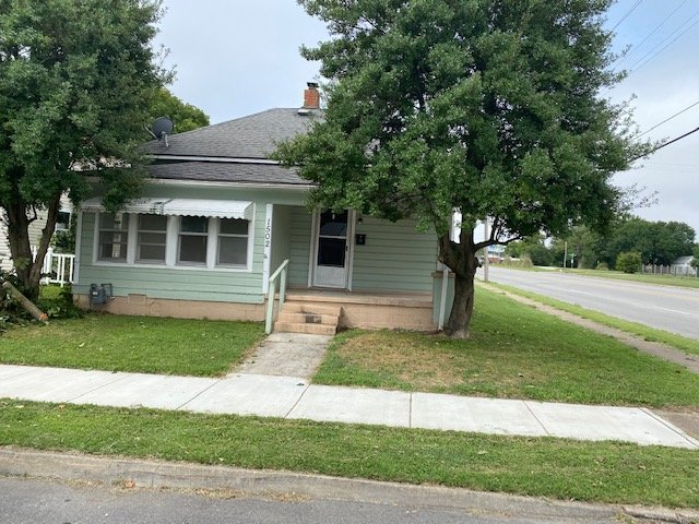 1502 GRAND – 1 BEDROOM 1 BATH IN CENTRAL JOPLIN
